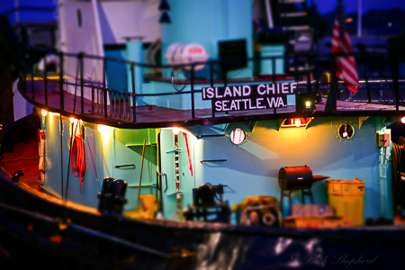 Island Chief Seattle tug at the Ballard Locks