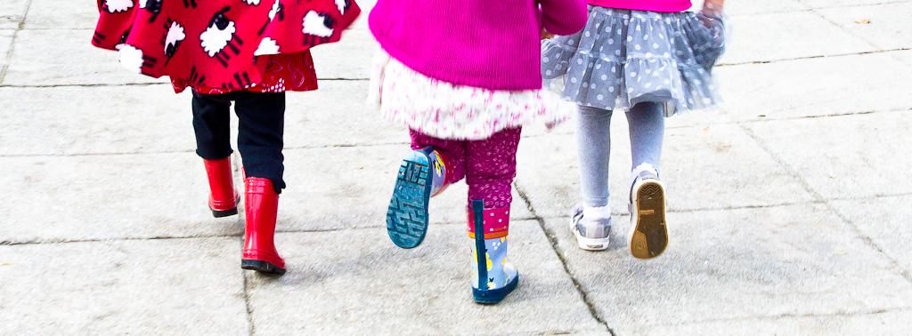 Three girls running color