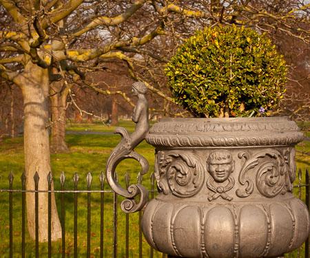 Kensington Garden urn
