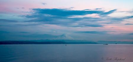 Mt Rainer at dusk