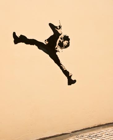 Street art musician in La Butte aux Cailles