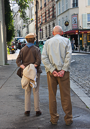 Couple with crossed hands from behind